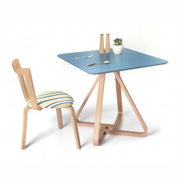 Homelos Dining Table